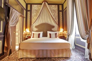 Grand-Hotel-de-Bordeaux-and-Spa10